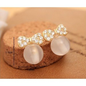 Pearl earrings Winged bow tie and Pearl White